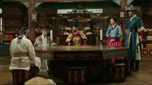 """So-yi assists King Sejong with the creation of the Korean alphabet in """"Tree with Deep Roots"""""""
