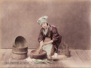 Here a Japanese woman manages the household duties, presumably gathering the food and tools for survival as Hideyoshi's mother had done for her family.