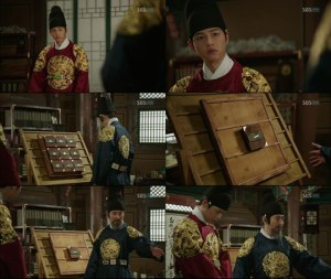 King Taejong tells Sejong that he must be the only one with power